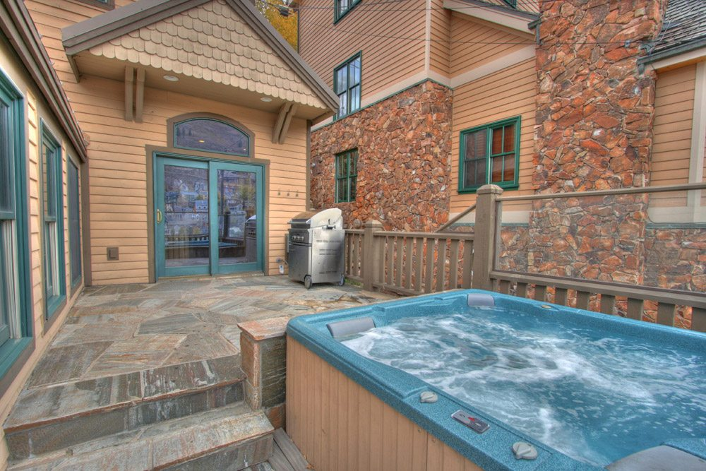Hot tub spa maintenance